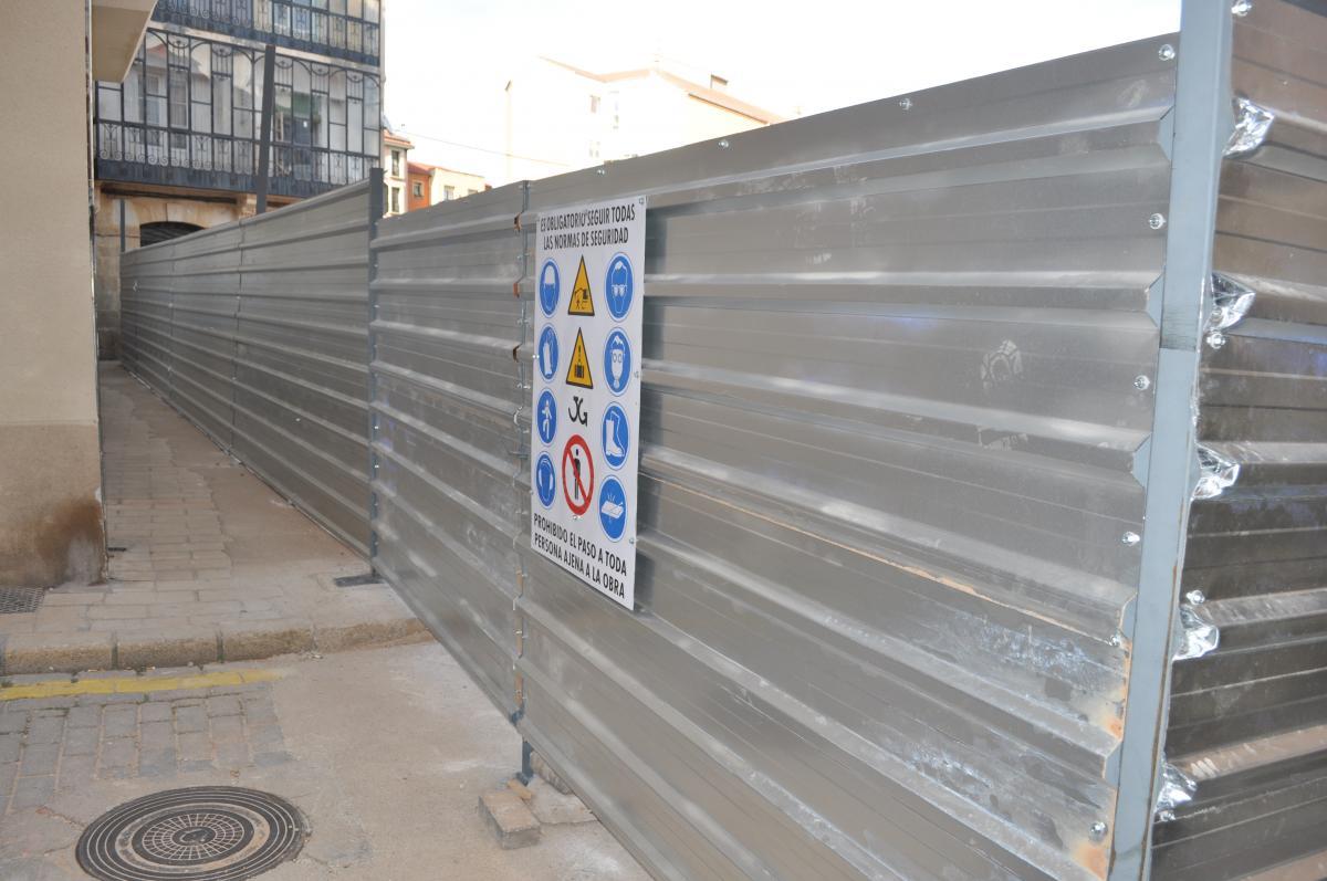 Hemos realizado el vallado de la nueva Plaza de Abastos